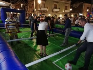 calcio balilla in piazza