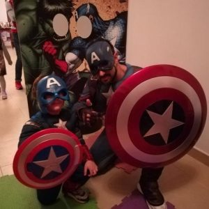 Supereroi Party Capitan America Adulto e Bambino