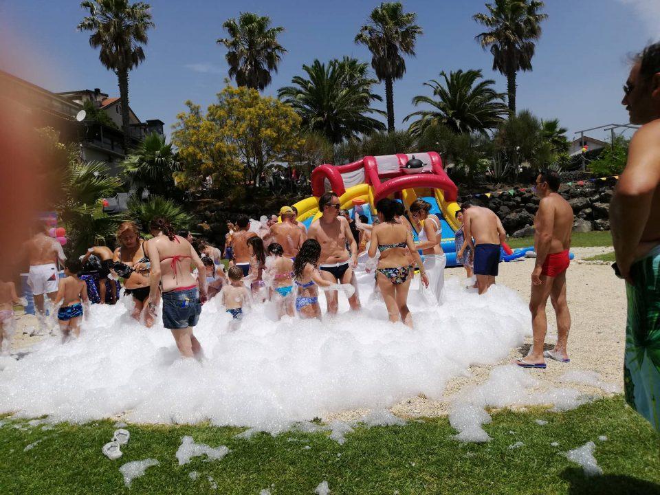 Noleggio-cannone-schiuma-party-per-feste-con-bambini